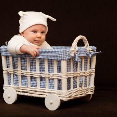 Can a Newborn Sleep In a Crib?